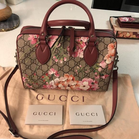 c15ddb44cec Gucci Handbags - ‼️FLASH SALE‼️Gucci Blooms small GG top handle bag